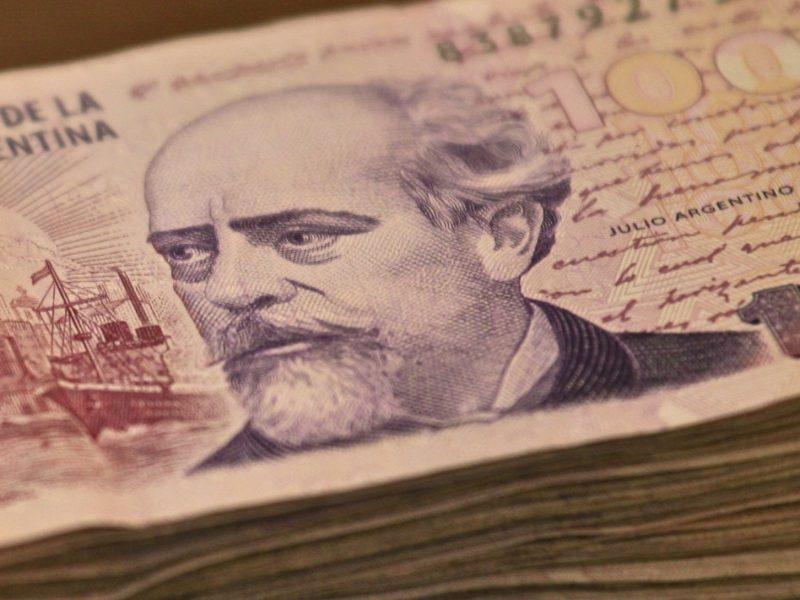 trocar dinheiro na argentina peso argentino