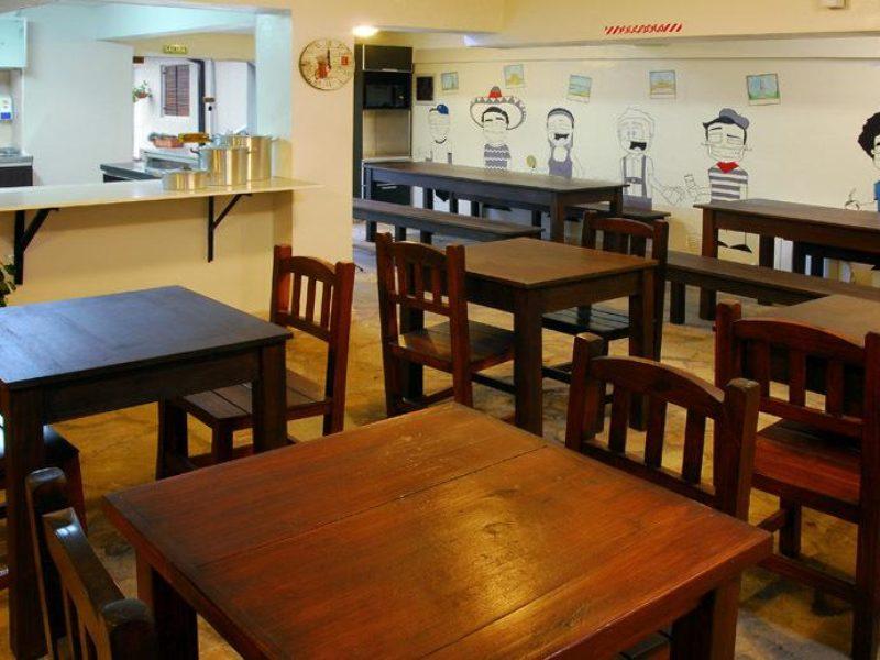 Hostel Los Troncos Bariloche Argentina 2
