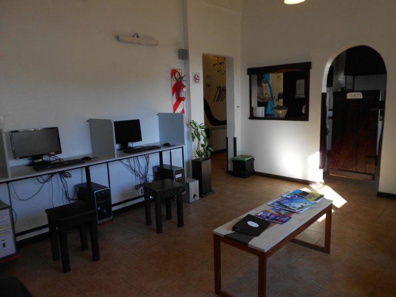 Hostel Los Troncos Bariloche Argentina 5